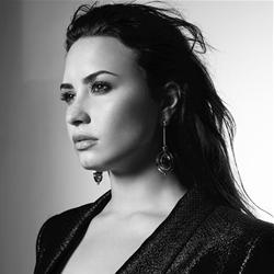 "Demi Lovato ""elimina"" amigos"