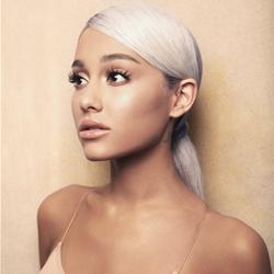 Ariana Grande em stand by?