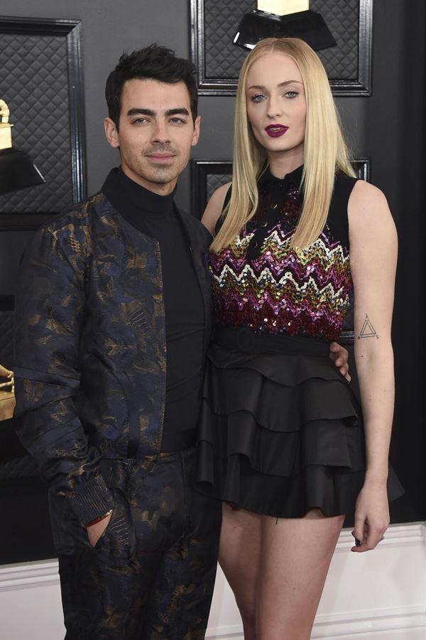 Joe Jonas e Sophie Turner já são pais