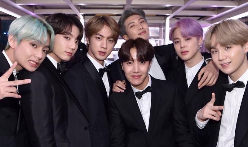 BTS ensinam coreano