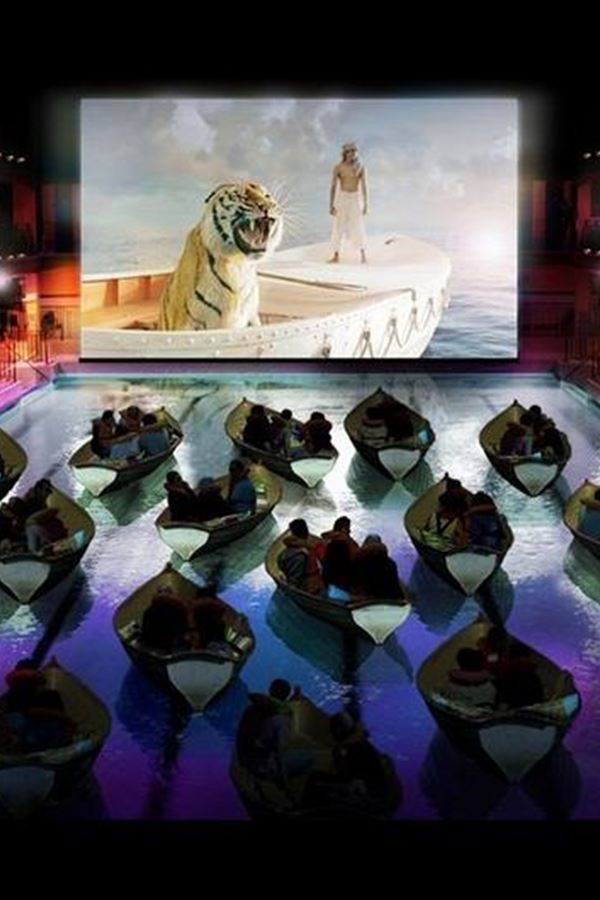 Um cinema sobre a água... why not?!