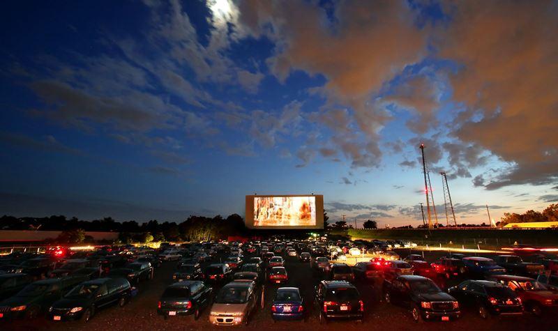 Há cinema drive-in este verão!