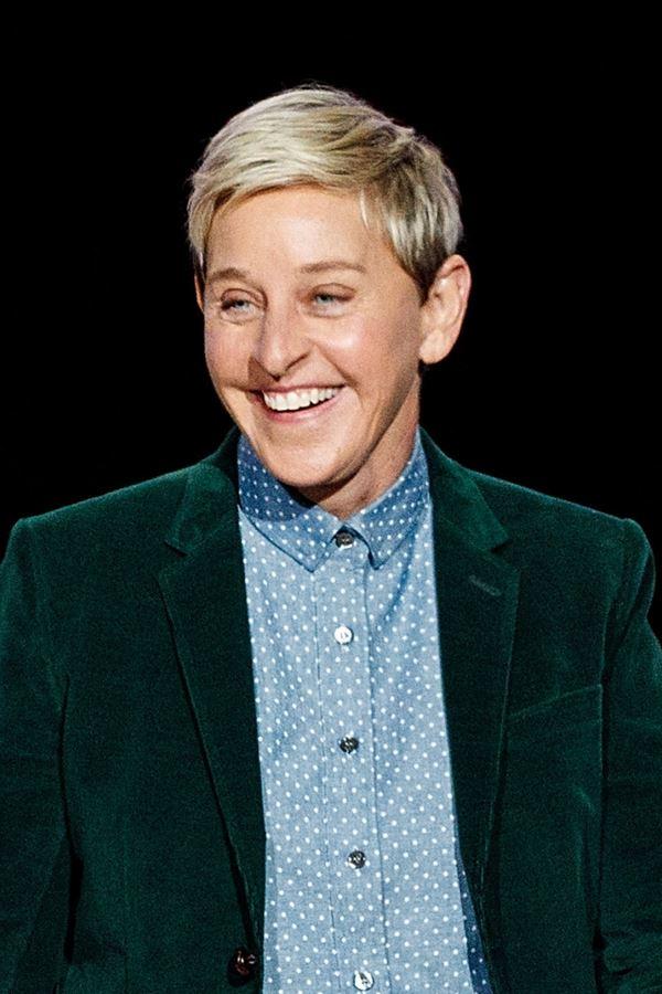 """Ellen """"rendida"""" à nossa telescola!"""