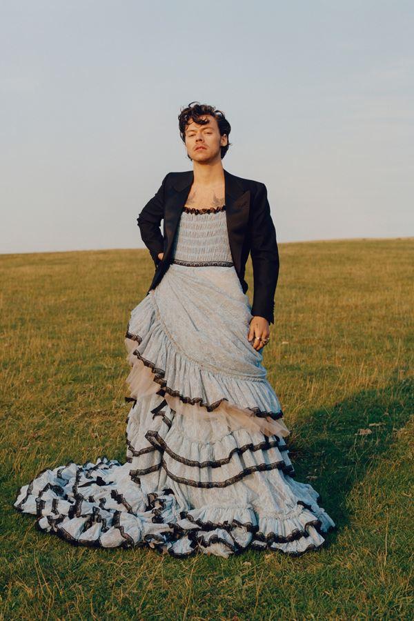 Sim, Harry Styles usou um vestido!