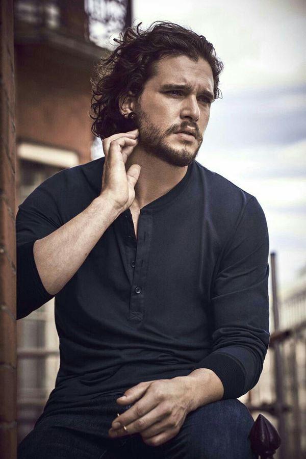 """Jon Snow"" mudou de look!"