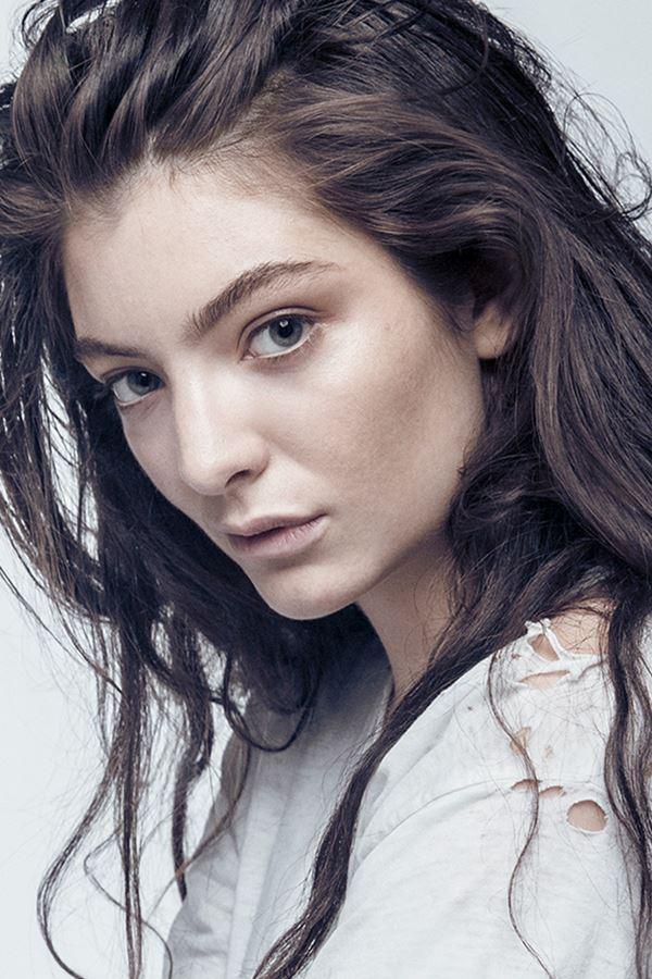 "Lorde promete ""algo em troca""..."