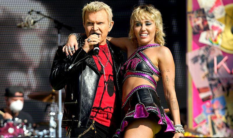 Super Bowl: Miley brilhou, surpreendeu e emociou-se...