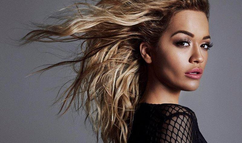 """Rita Ora na """"linha da frente"""""""