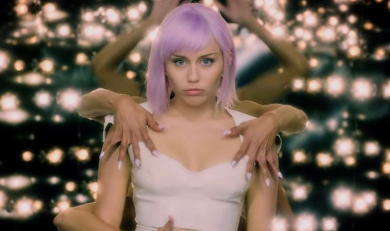 Miley Cyrus vai entrar em Black Mirror
