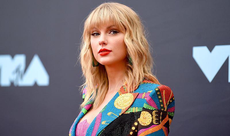 Taylor Swift à Casa Branca!!