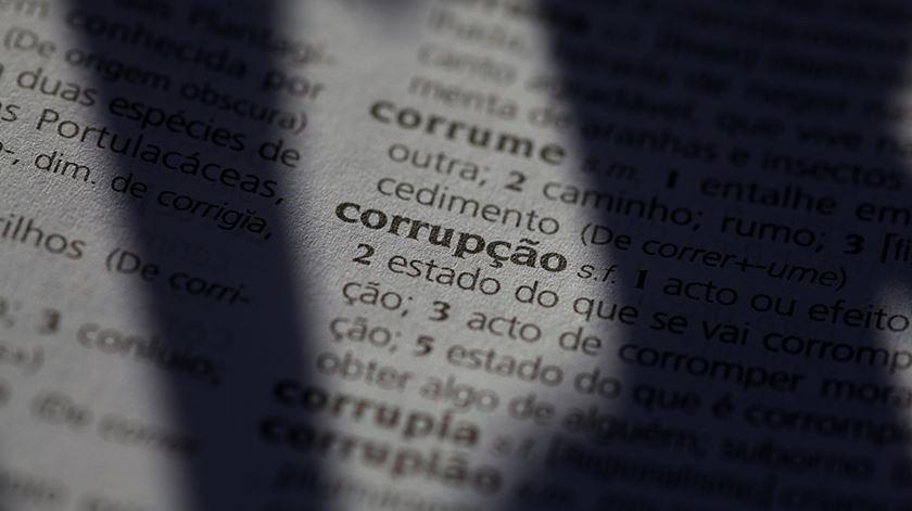 Juízes e advogados dizem que estratégia de combate à corrupção deixa de fora elites políticas