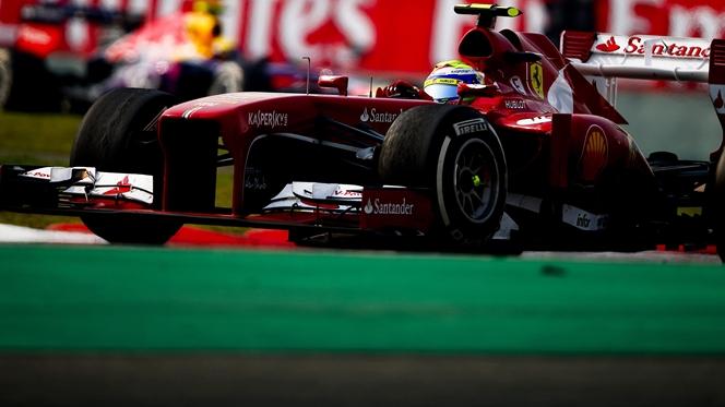 Ferrari domina primeiras voltas no Bahrain