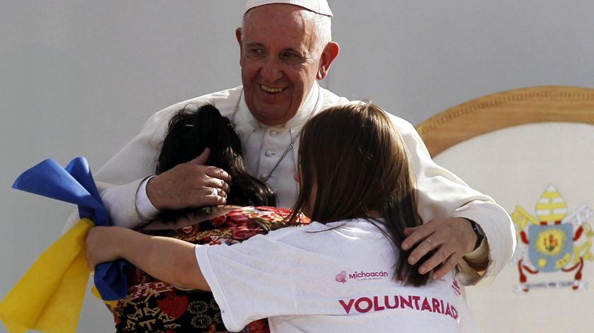 O Papa Francisco tem uma mensagem para os jovens: Deus ama-te, Cristo Salva, Ele vive. Foto: EPA/Ulises Ruiz Basurto