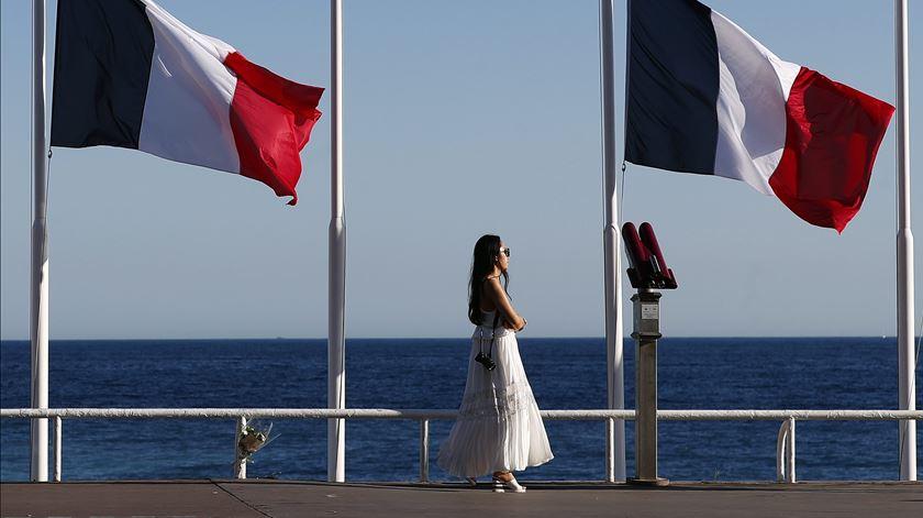 França investiga alegadas falhas de segurança na noite do atentado em Nice
