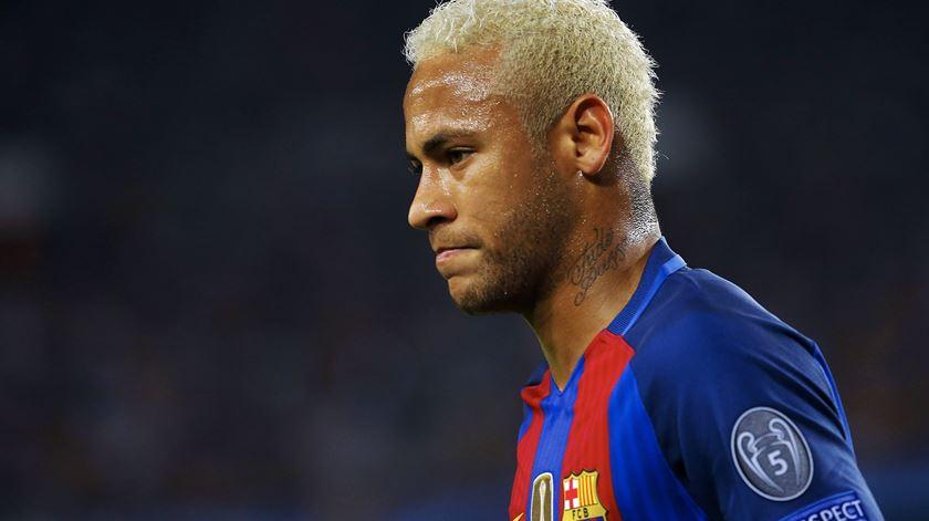 Tribunal dá razão ao Barcelona na queixa feita pelo Santos por causa de Neymar