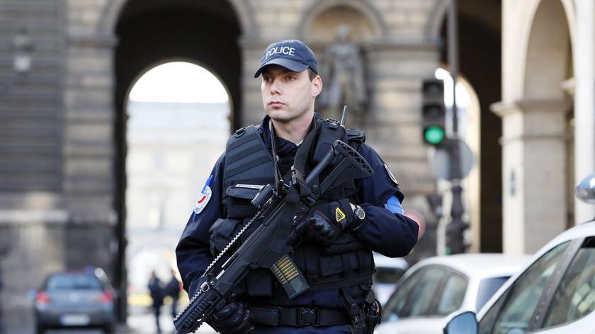 Motorista português abatido a tiro em França após desrespeitar ordem da polícia