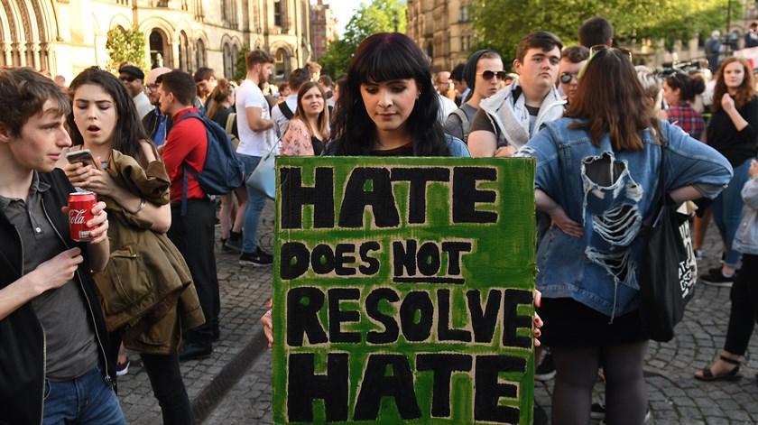 "A resposta de Manchester aos terroristas: ""O amor é mais forte que o ódio"""