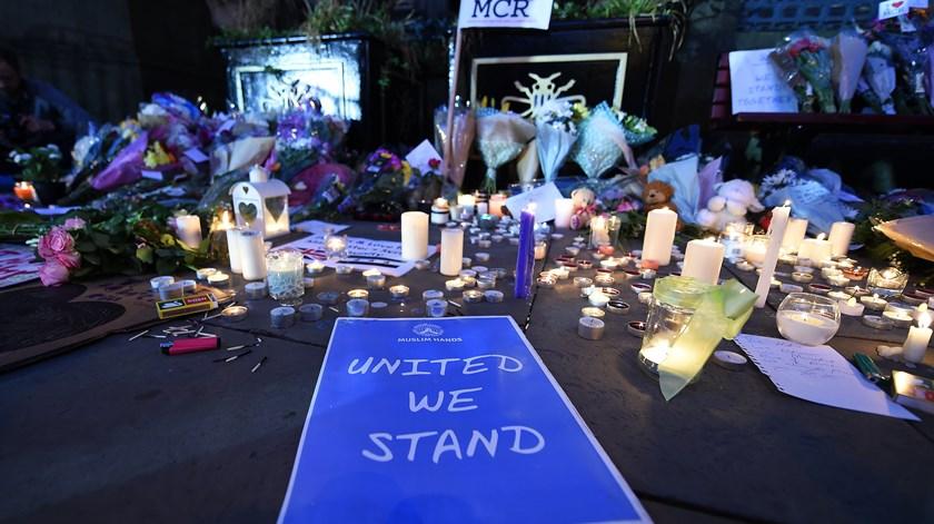 Manchester. Três suspeitos detidos e 20 feridos em estado grave