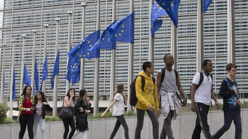 Justiça europeia invalida acordo UE-EUA sobre transferência de dados pessoais