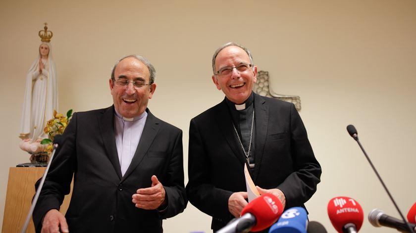 D. António Marto e D. Manuel Clemente, os dois cardeais eleitores portugueses, a quem se junta agora D. José Tolentino. Foto: Paulo Cunha/Lusa