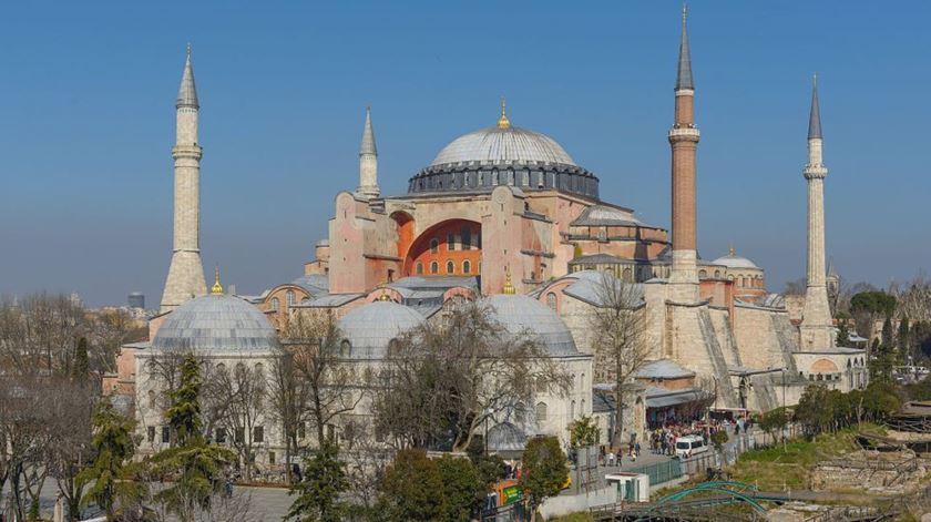 Hagia Sophia, em Istanbul, volta a ser uma mesquita