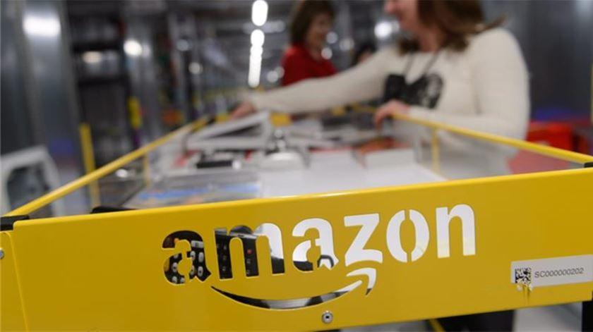 Crise? Amazon vai contratar 75 mil funcionários