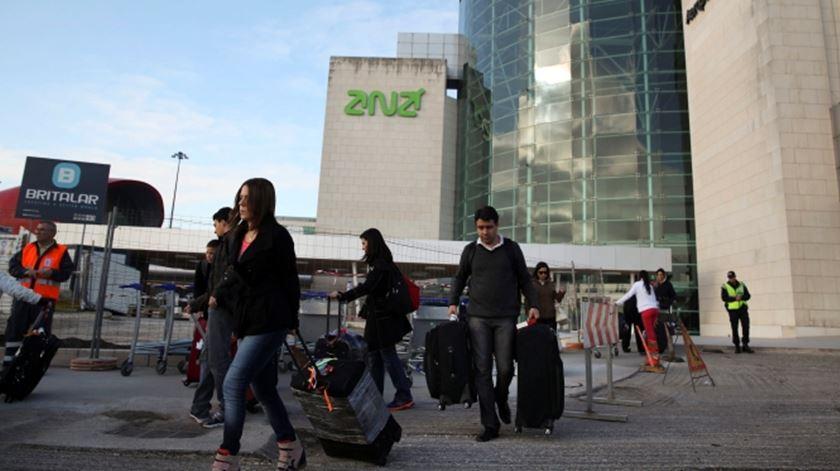 Aeroportos. Quase 750 passageiros sem teste à chegada no mês de fevereiro