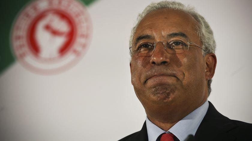 """""""Manifestamente"""", Costa não se demite. E não participa em """"maiorias negativas"""""""