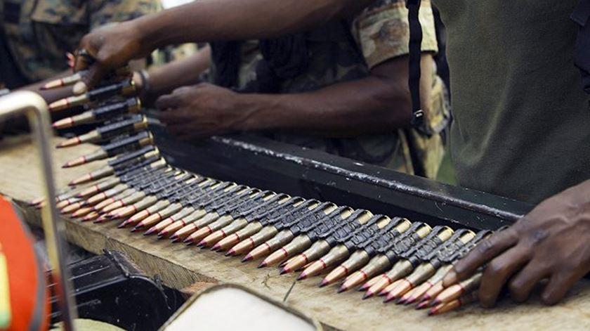 A guerra é a rotina para milhões de pessoas no continente africano. Também na República Centro-Africana, um dos países no plano de viagem do Papa. Foto: EPA