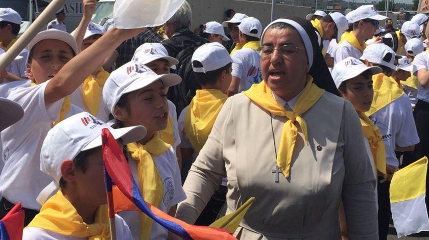 Católicos arménios aguardam a chegada do Papa Francisco ao país. Foto: Twitter