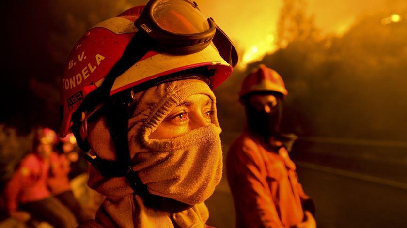 O que fica nos corpos depois das chamas