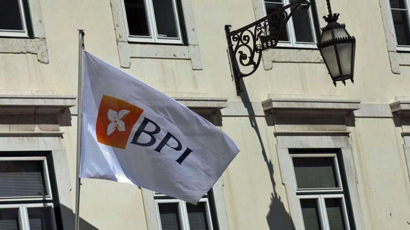 """Acções do BPI suspensas até que haja """"informação relevante"""" sobre OPA"""