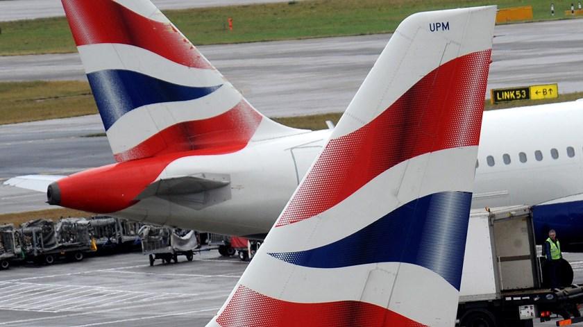 """Aviões. Reino Unido mantém Portugal na """"lista negra"""""""