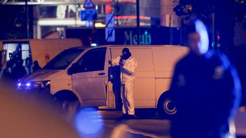 Buscas em Bruxelas relacionadas com atentados de Paris. Foto: Olivier Hoslet/EPA