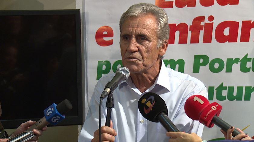 """Jerónimo critica """"posição equívoca"""" do PS"""