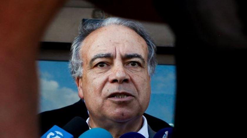 """Entendimentos à esquerda. """"Maior responsabilidade é do PS"""", diz Carvalho da Silva"""
