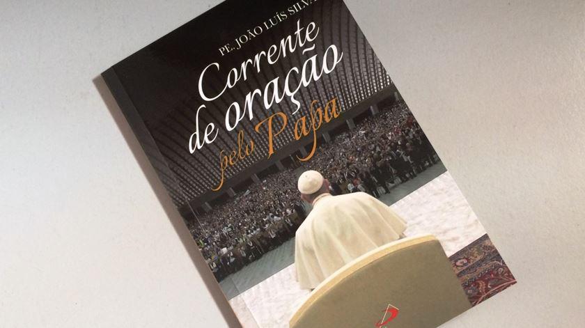 Livro Corrente de Oração pelo Papa. Foto: Rosário Silva/RR