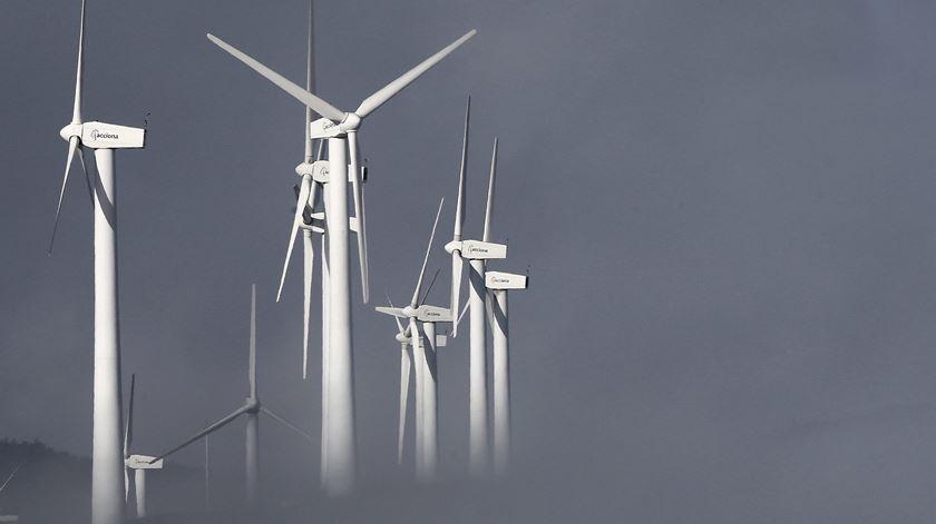 Consumo de energia elétrica cai para mínimos de 2005