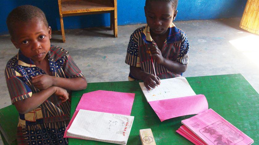 Escolinhas Comunitárias do Niassa (leigos para o desenvolvimento) foto: leigos.pt