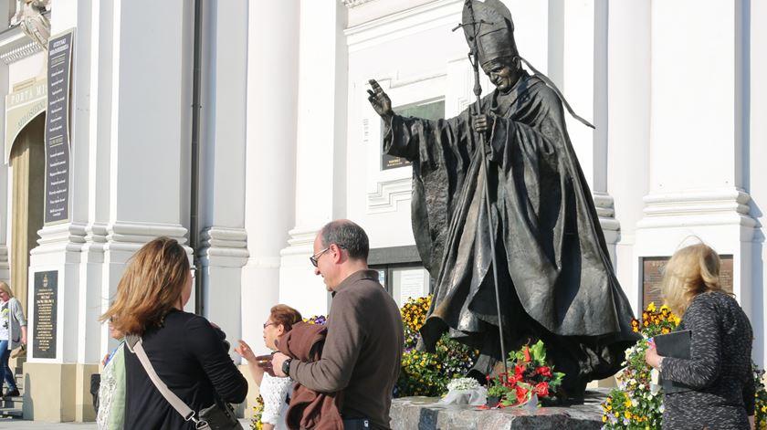 Estátua de São João Paulo II, em Wadowice, a terra onde nasceu