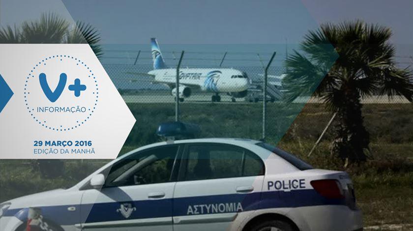 Homem com cinto de explosivos desvia avião da Egyptair