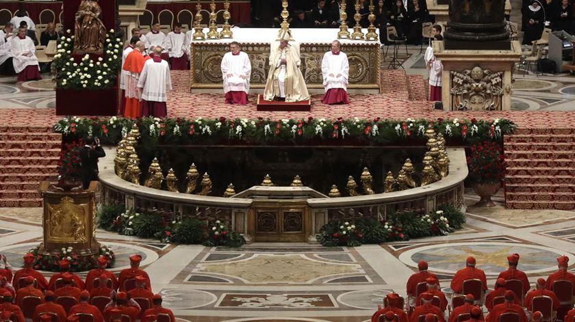 Um consistório, onde se criam novos cardeais para a Igreja Católica. Foto: Gregorio Borgia/EPA