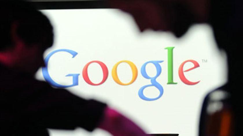 Austrália quer que Facebook e Google paguem notícias aos meios de comunicação social