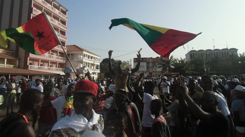 """Guiné-Bissau. Primeiro-ministro Aristides Gomes queixa-se de """"expansão da violência"""""""