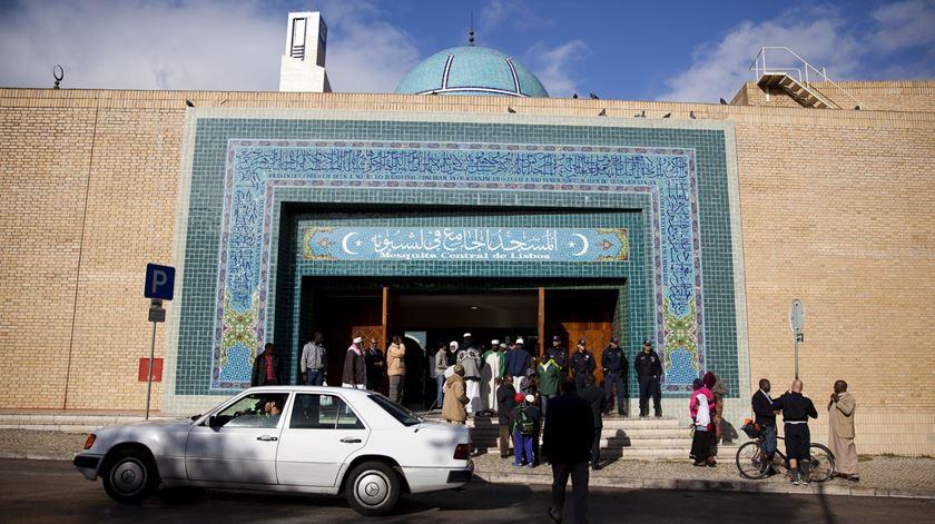 A Mesquita Central de Lisboa é palco dos festejos dos 50 anos da Comunidade Islâmica de Lisboa. Foto: Joana Bourgard/RR
