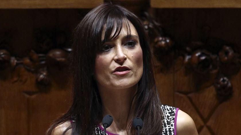 Parlamento. Isabel Moreira chama racista a André Ventura