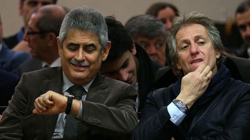 Vieira e Jorge Jesus, quando o treinador ainda orientava o Benfica. Foto: Manuel de Almeida/Lusa