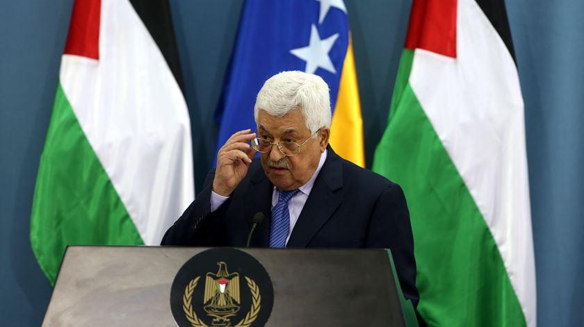 """Autoridade Palestiniana rejeita acordo e pede """"reunião de emergência"""" da Liga Árabe"""