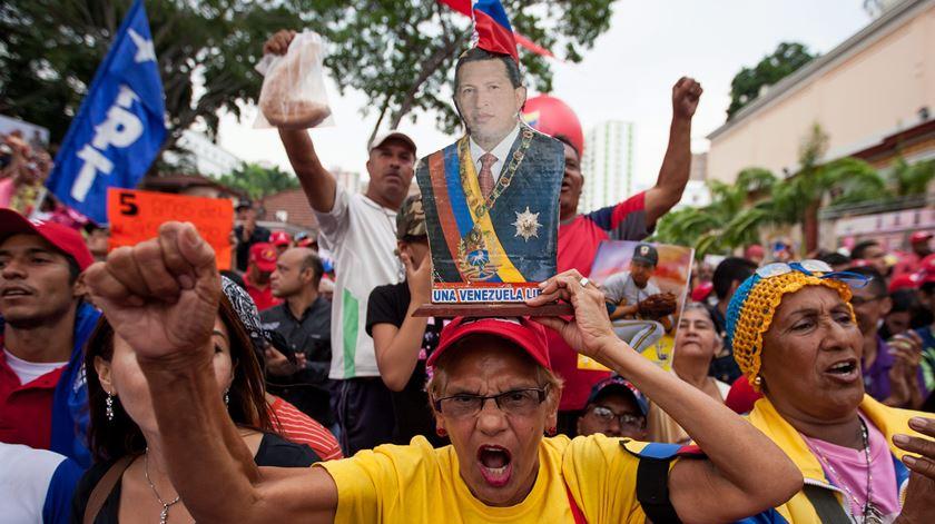Manifestação a favor do Governo de Maduro, esta quinta-feira, em Caracas. Foto: Miguel Gutiérrez/EPA