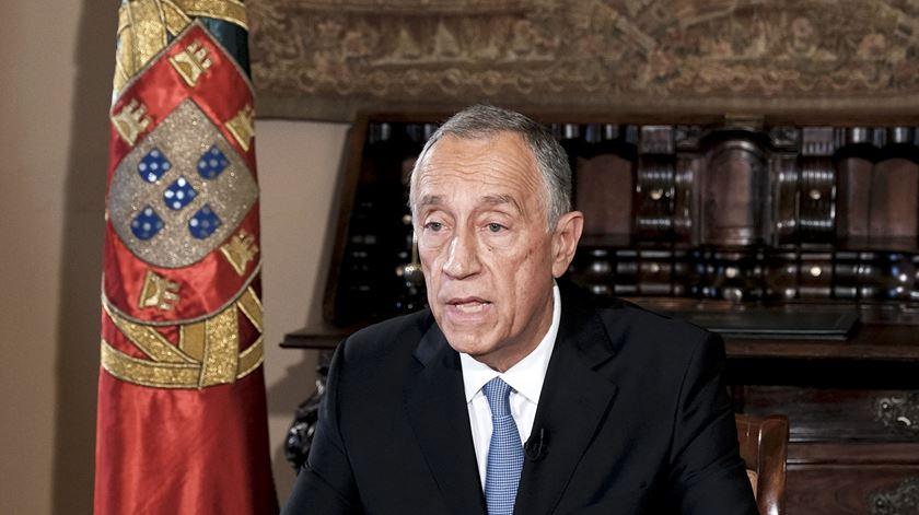 Congratulações, exigência e OE constitucional. Reacções à declaração de Marcelo